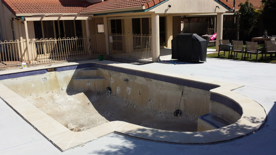 Photo of the swimming pool before, Concrete Pool Restoration Ormiston