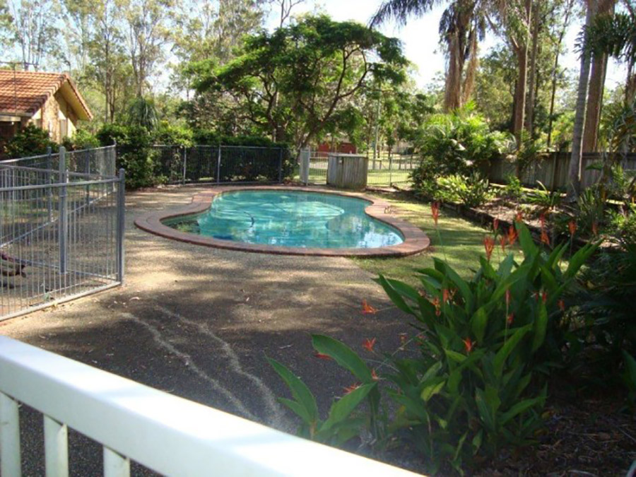 Photo of the pool before, Pool renovation Shailer Park